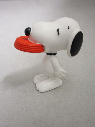 SCH22002 - Snoopy with bowl - Snoopy