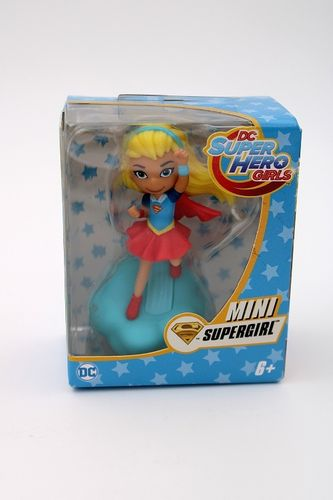 MAT100 - Supergirl - Super Hero Girls